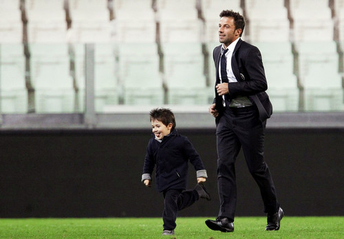 Alessandro Del Piero wallpaper with a business suit, a wicket, and a fielder called Del Piero and his son Tobias