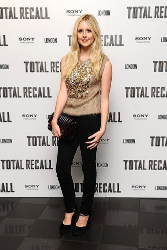 Diana Vickers fond d'écran with tights entitled Diana Vickers