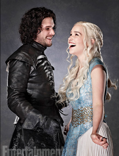 Game of Thrones wallpaper possibly containing a dinner dress, a cocktail dress, and a polonaise entitled Daenerys Targaryen & Jon Snow