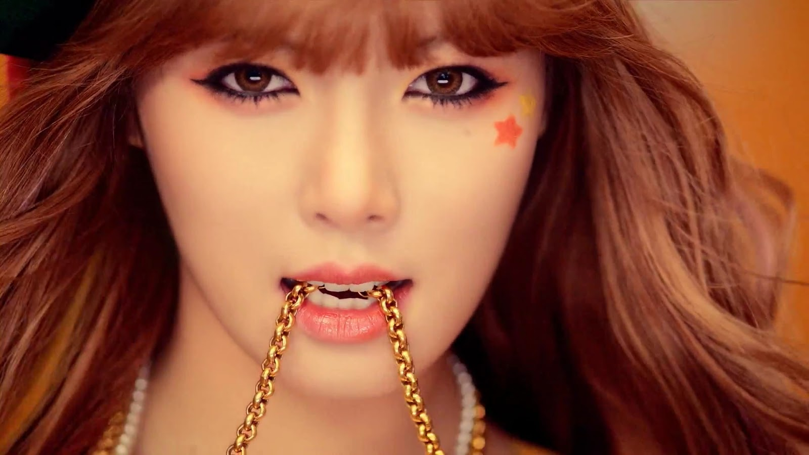 Hyuna ~ Ice Cream - Hyuna Wallpaper (33911449) - Fanpop