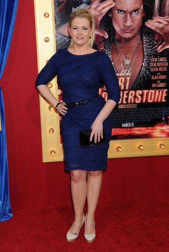 Melissa Joan Hart hình nền probably with a well dressed person, a sign, and a hip boot entitled Melissa Joan Hart (2013)