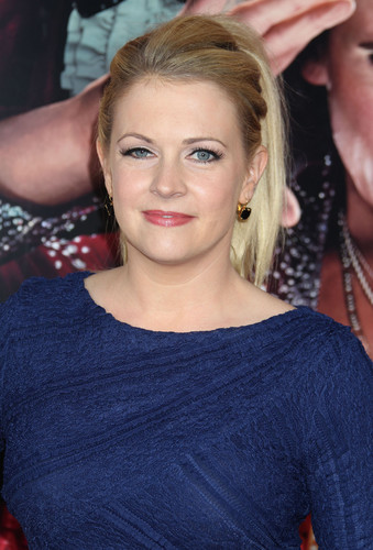 Melissa Joan Hart Hintergrund probably containing a portrait titled Melissa Joan Hart (2013)