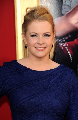 Мелисса Джоан Харт Обои possibly with a portrait called Melissa Joan Hart (2013)