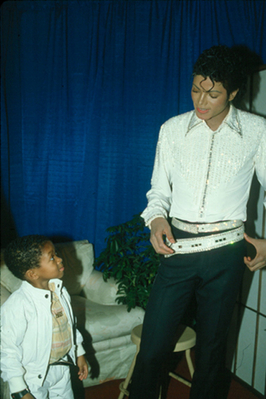 Michael And Emmanuel Lewis Backstage During The Victory Tour