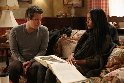 Once Upon a Time - Episode 2.18 - Selfless, Rebelle and True