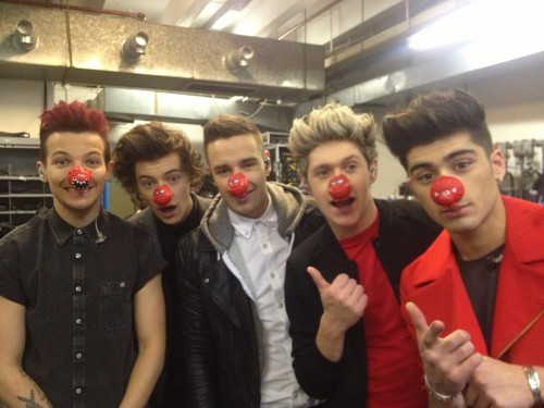 One Direction Red Nose siku