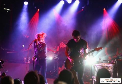 帕拉摩尔 live at SXSW The Warner Sound - The Belmont, Austin, Texas 13032013