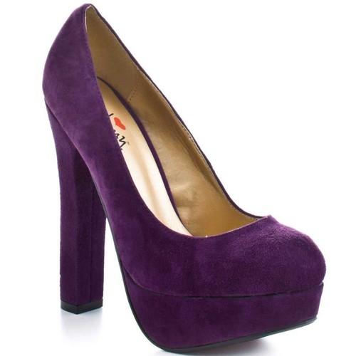 Women's Shoes wallpaper called Purple Pumps