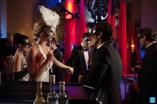 Revenge - Episode 2.18 - masquerade - Promotional fotografias