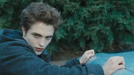 Robert as Edward Cullen<3