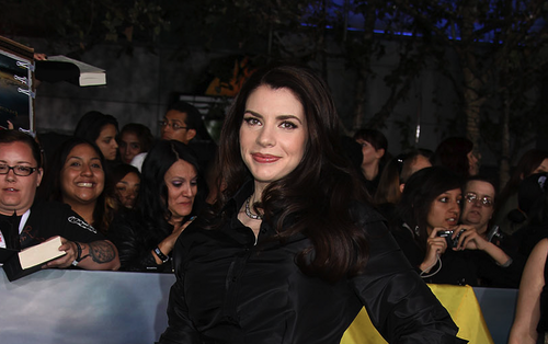 Stephenie Meyer Hintergrund possibly with a straße and a business suit entitled SM