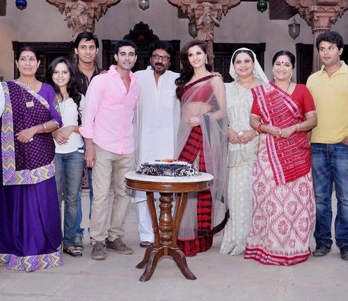 Saraswatichandra (série TV) fond d'écran possibly containing a bridesmaid and a bouquet entitled Saraswatichandra