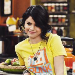Selena Gomez アイコン <33