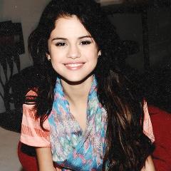 Selena Gomez các biểu tượng <33