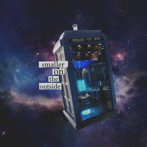 The Tardis kertas dinding entitled TARDIS