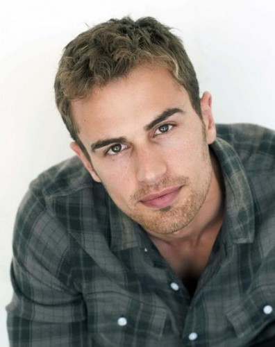 divergent four-theo james