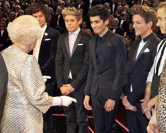 Meeting The Queen One Direction Photo 33916295 Fanpop