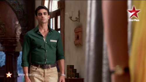 Saraswatichandra (série TV) fond d'écran probably containing a pantleg, an outerwear, and a hip boot called saras