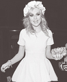  - perrie-edwards photo