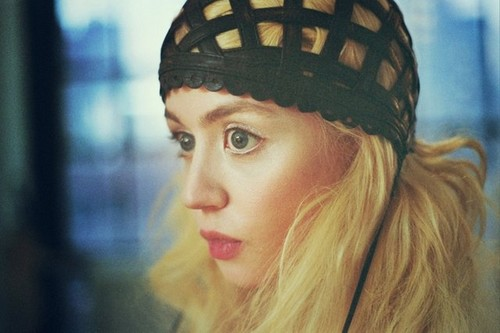 Allison Harvard in Gemma Kahng oleh Zachary Chick