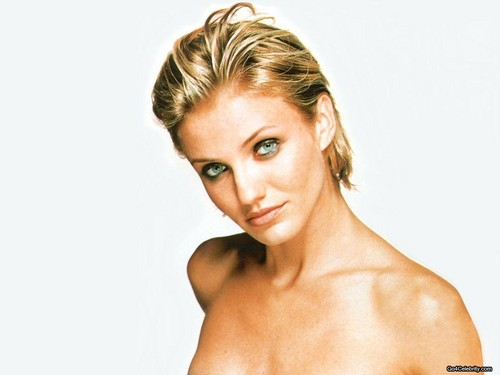 Cameron Diaz wallpaper containing skin and a portrait entitled Cameron <3