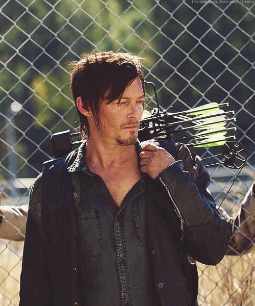 Daryl In Стрела On The Doorpost
