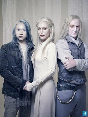 Defiance - Cast Promo fotografia