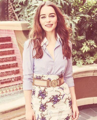 Emilia Clarke fond d'écran called Emilia