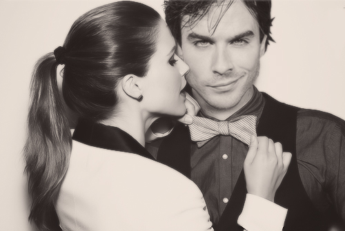 Ian Somerhalder e Nina Dobrev wallpaper called Ian <3