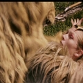 Jadis looks into the jaws of Aslan.