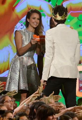 Jessica Alba >Kids' Choice Awards 2013