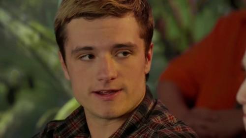 Josh at the Kids' Choice Awards 2013