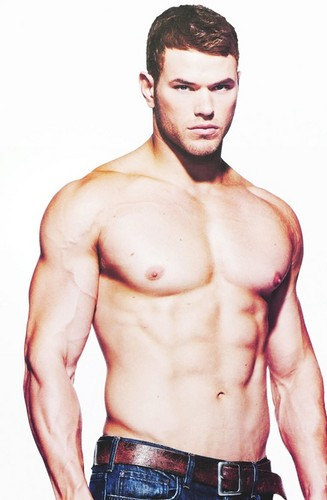 Hottest Actors wallpaper containing a hunk entitled Kellan Lutz