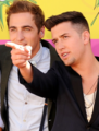 Kendall Schmidt & Logan Henderson @ 2013 Kids Choice Awards (3/23/13) - big-time-rush photo