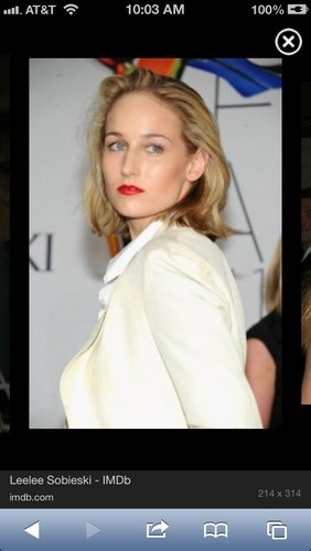 Leelee Sobieski wallpaper probably containing a portrait entitled Leelee Sobieski