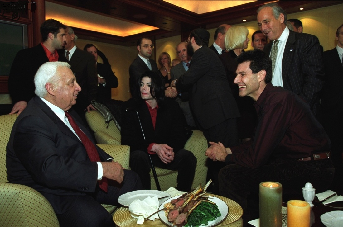 MICHAEL WITH PRIME MINISTER ARIEL SHARON, AND FORMER Friends URI GELLER AND SHMULEY BOTEACH