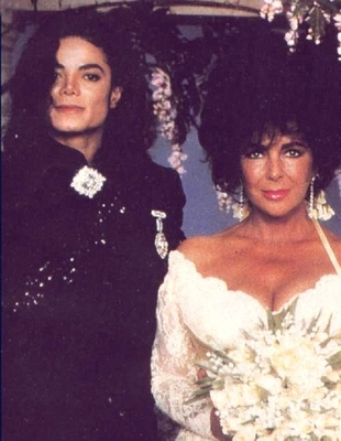 Michael And Elizabeth On Her Wedding día Back In 1991