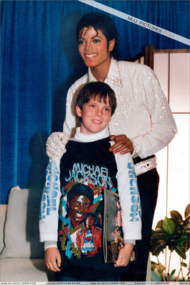 Michael With A fan Backstage During The 1984 Victory Tour