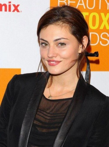 Phoebe Tonkin at the Beauty Detox Foods
