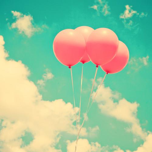 berwarna merah muda, merah muda