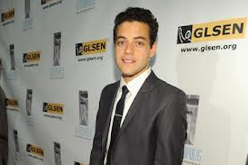 Rami Malek वॉलपेपर possibly with a business suit titled Rami