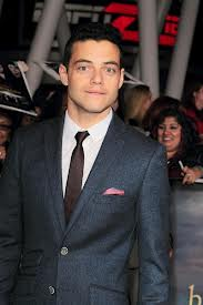 Rami Malek वॉलपेपर containing a business suit, a suit, and a three piece suit called Rami