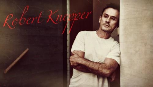 Robert Knepper too hot!