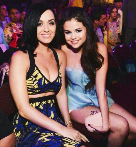 Selena with Katy Perri