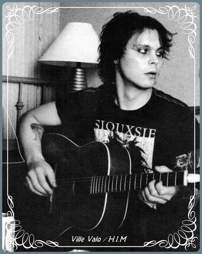 Ville-black and white pic