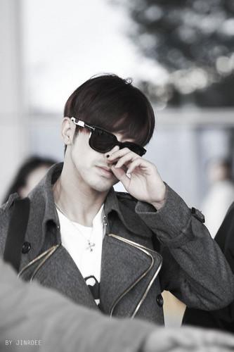 u know Yunho DBSK Hintergrund containing sunglasses entitled Yunho