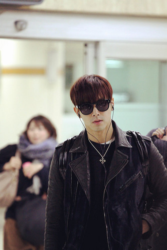 u know Yunho DBSK Hintergrund with sunglasses entitled Yunho