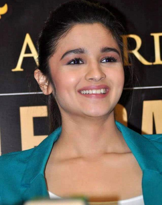 Alia Bhatt Images Awww Hd Wallpaper And Background Photos 34095358