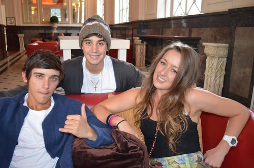 Janoskians wolpeyper containing a kalye entitled beau brooks, jai brooks and estelle landy from big brother <3