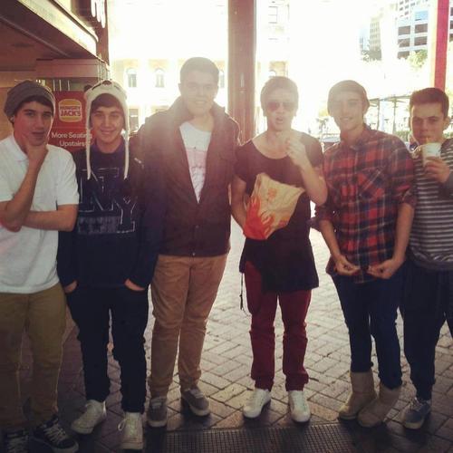 reece mastin with the janoskians ♥♥